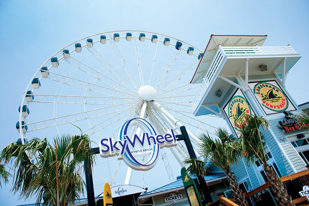 multiple sotries high Ferris Wheel at The SkyWheel
